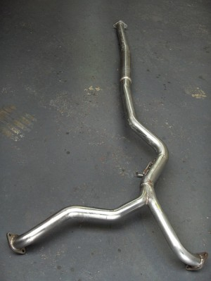 Subaru Legacy 3 litre Centre Pipe to fit models 2004 onwards.
